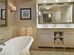 Grand King Bathroom